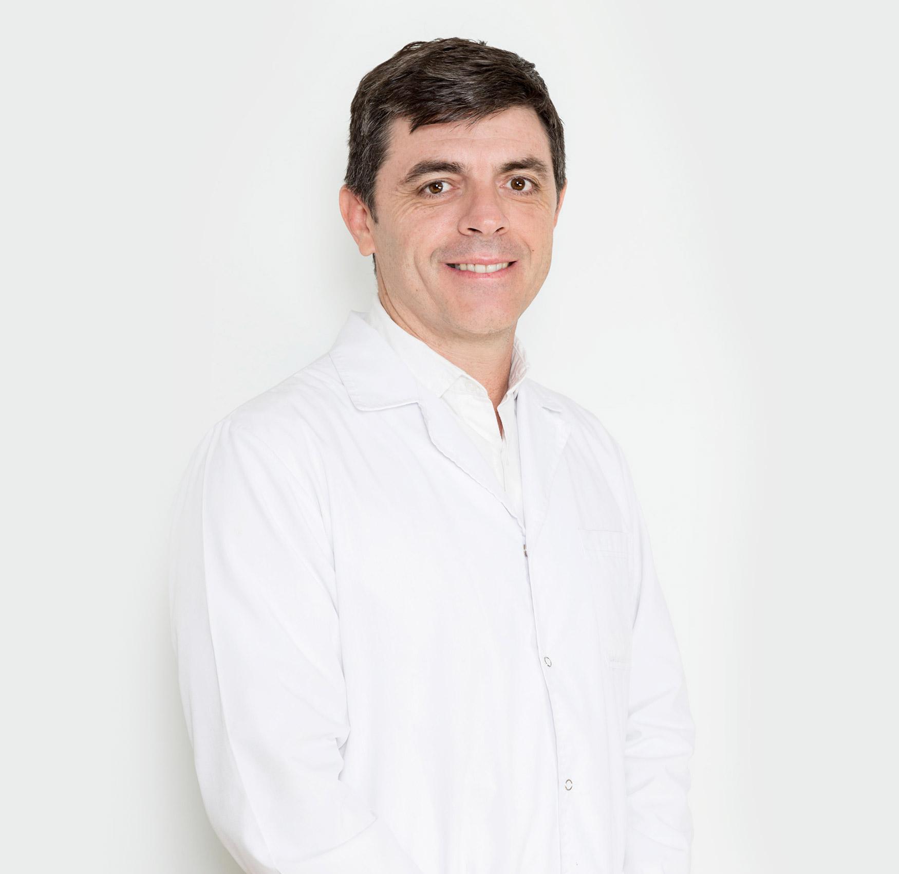 Dr. Álvaro Muratore
